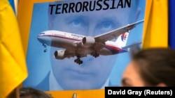 اعتراضاتی علیه روسیه در کشورهای گوناگون (در تصویر: استرالیا) شکل گرفته است. در پوستری که در دست یکی از معترضان است واژه «تروراشان» (ترور + روس) نوشته شده است
