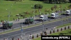 Автомобили белорусских силовиков на улицах Минска, 13 сентября 2020