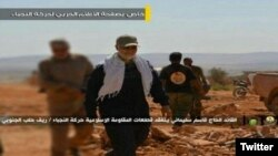 تصاویر منتشرشده در شبکههای اجتماعی، از جمله در توئیتر منتسب به حرکتالنجبا، قاسم سلیمانی را «در حلب» نشان میدهد