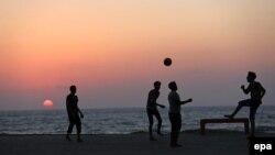 Çimərlik futbolu