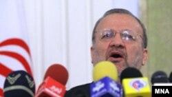منوچهر متکی می گوید سوخت هستهای نيروگاه اتمی بوشهر توسط آژانس بین المللی انرژی اتمی لاک و مهر شده و آماده تحویل است.