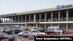 """""""Манас"""" аэропорту."""