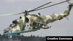 """Российский суперсовременный военный вертолет Ми-35. """"Шпионы"""" могут охотиться на него, а """"разведчики"""" - за тонким электронным оборудованием для него."""