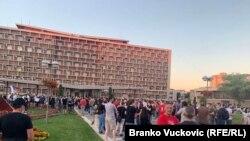 Protest u Kragujevcu 9. jula, ilustracija