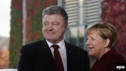 Петро Порошенко і Анґела Меркель (фото архівне)