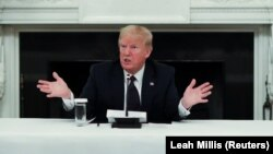 Президент США Дональд Трамп на брифинге в Белом доме. 18 мая 2020 года, Вашингтон.
