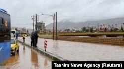 سرازیر شدن سیلابها در شیراز ایران