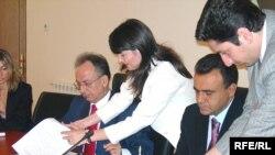 Nazirlər Azərbaycan qazının Yunanıstana nəqli ilə bağlı birgə memorandum imzalayırlar