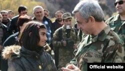 Ermənistan prezidenti Serzh Sarkisian Qarabağa səfəri zamanı, 12 noyabr 2013