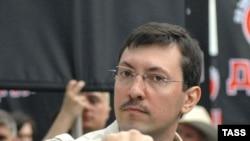 Александр Белов (Поткин) обвиняется в неподчинении сотрудникам милиции и разжигании межнациональной розни