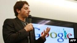 Google компаниясының негізін қалаушылардың бірі Сергей Брин. Нью Йорк, 23 маусым 2008 жыл