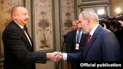 Nikol Pashinian și Ilham Aliyev în 2020, în Germania.