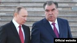 Владимир Путин и Эмомали Рахмон. Фото из архива