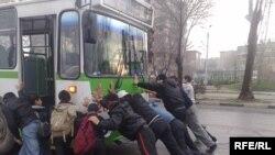 Иллюстративное фото - Душанбе, 16 февраля 2010 года.