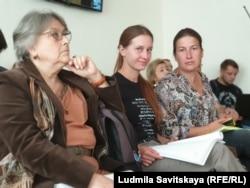 Светлана Прокопьева (в центре) в суде