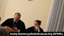 Суддя Сергій Вовк під час розгляду справи екс-голови МВС Юрія Луценка, 9 червня 2011 (архівне фото )