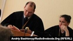 Сергій Вовк розглядає справу Юрія Луценка, фото із зали суду, Київ, 9 червня 2011 року