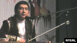 Айтыскер ақын Ринат Заитов. Алматы, 21 наурыз 2010 жыл.