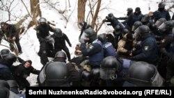 Затримання біля Солом'янського райсуду Києва, 15 лютого 2018 року