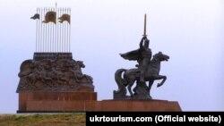 Пам'ятник князю періоду України-Русі Ігорю Святославичу (1151–1202) у Луганській області