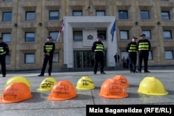 Горняки Ткибули хотят, чтобы им предоставили возможность безопасно работать в шахтах