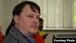 Журналист Александр Баранов в зале суда на процессе, где его обвиняют в клевете. Павлодар, 11 мая 2016 года. Фото предоставлено редакцией сайта Pavon.kz.