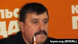 Архивное фото: главный военный комиссар Крыма Анатолий Малолетко