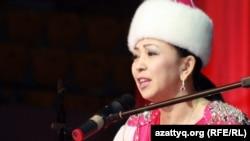 Айтыскер ақын Айнұр Тұрсынбаева. Алматы, 11 ақпан 2012 жыл.