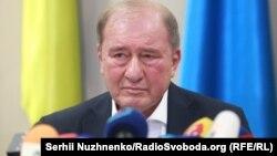 Ильми Умеров после возвращения в Украину. Борисполь, 27 октября 2017 года