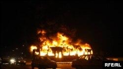 تهران، دوشنبه، اتوبوس در آتش