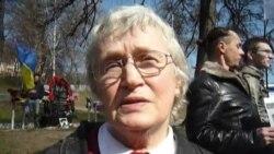 Знаная беларуская актывістка Ніна Багінская на Дні Волі ў Кіеве