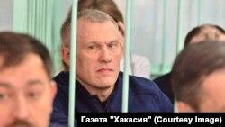 """Владимир Бызов на суде. Фото – газета """"Хакасия"""""""