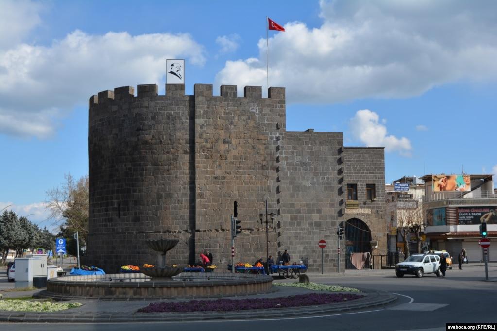 Диярбакыр, столица турецких курдов