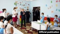 Ташкендеги бала бакча. Өзбекстанда 32 жылда калктын саны эки эсеге чукул өстү.