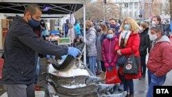 Рибен пазар в София по случай Никулден, 6.12.2020 г.