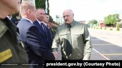 الکساندر لوکاشنکو، رئیسجمهوری بلاروس که در انتخابات جنجالبرانگیز پارسال خود را برنده انتخابات معرفی کرد