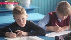 Зачем бывшему столичному телепродюсеру учить деревенских детей географии