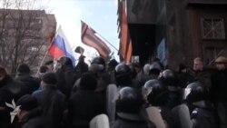 Сепаратисти у Донецьку захоплюють прокуратуру