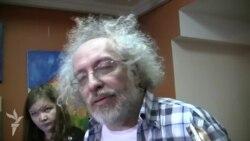 """Михаил Лесин не слышит """"Эхо""""."""