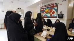 Голосование в иранском городе Робаткарим, 29 апреля 2016 года