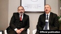 N.Paşinyan və İ.Əliyev. Foto arxiv