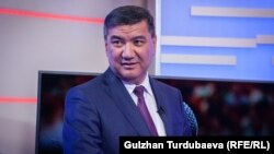 Один из истцов - депутат парламента Искендер Матраимов.