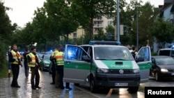 Поліція біля торгового центру у Мюнхені, 22 липня 2016 року