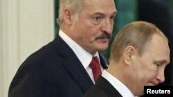 Аляксандар Лукашэнка і Ўладзімір Пуцін, архіўнае фота