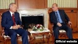 В то время как в Брюсселе вспоминают об андижанской бойне, президент Узбекистана Ислам Каримов встречается в Сочи с президентом России Владимиром Путиным