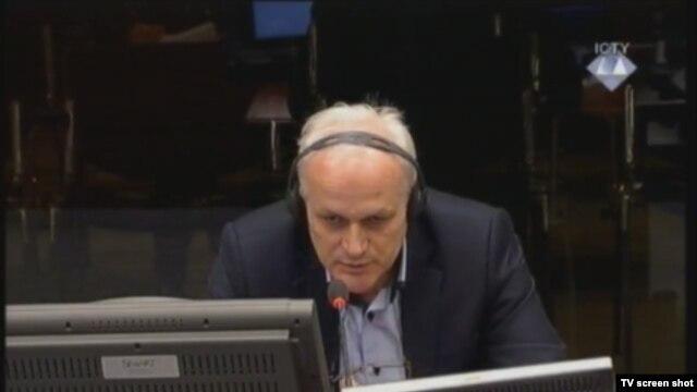 Svjedok Edin Suljić u sudnici 15. veljače 2013.
