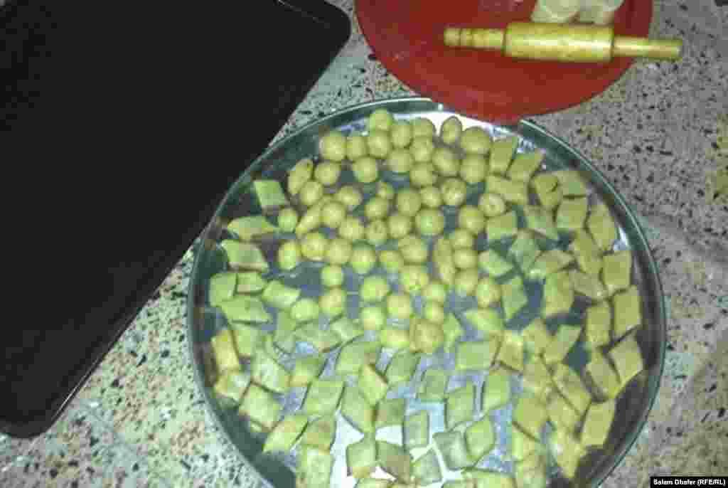 Иракские дети очень любят эту домашнюю сладкую выпечку