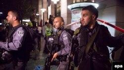 На месте нападения в Тель-Авиве (8 июня 2016 года)