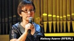 Ахмет Байтұрсынұлы мұражайының директоры Райхан Имаханбет. Алматы, 5 қыркүйек 2012.
