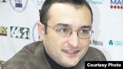 Фаррух Амонатов, шатранҷбози маъруфи тоҷик, гроссмейстери байналмилалӣ.